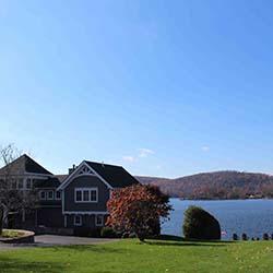 Lake-Community